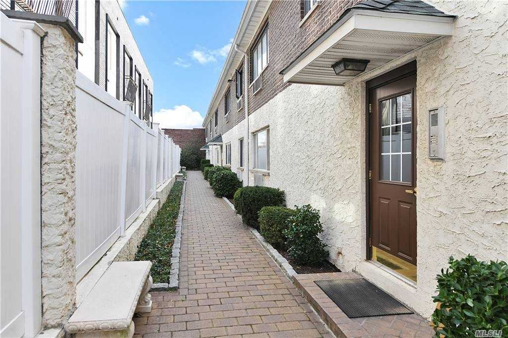 66-45 69 Street #15, Middle Village, NY 11379 - MLS#: 3270594