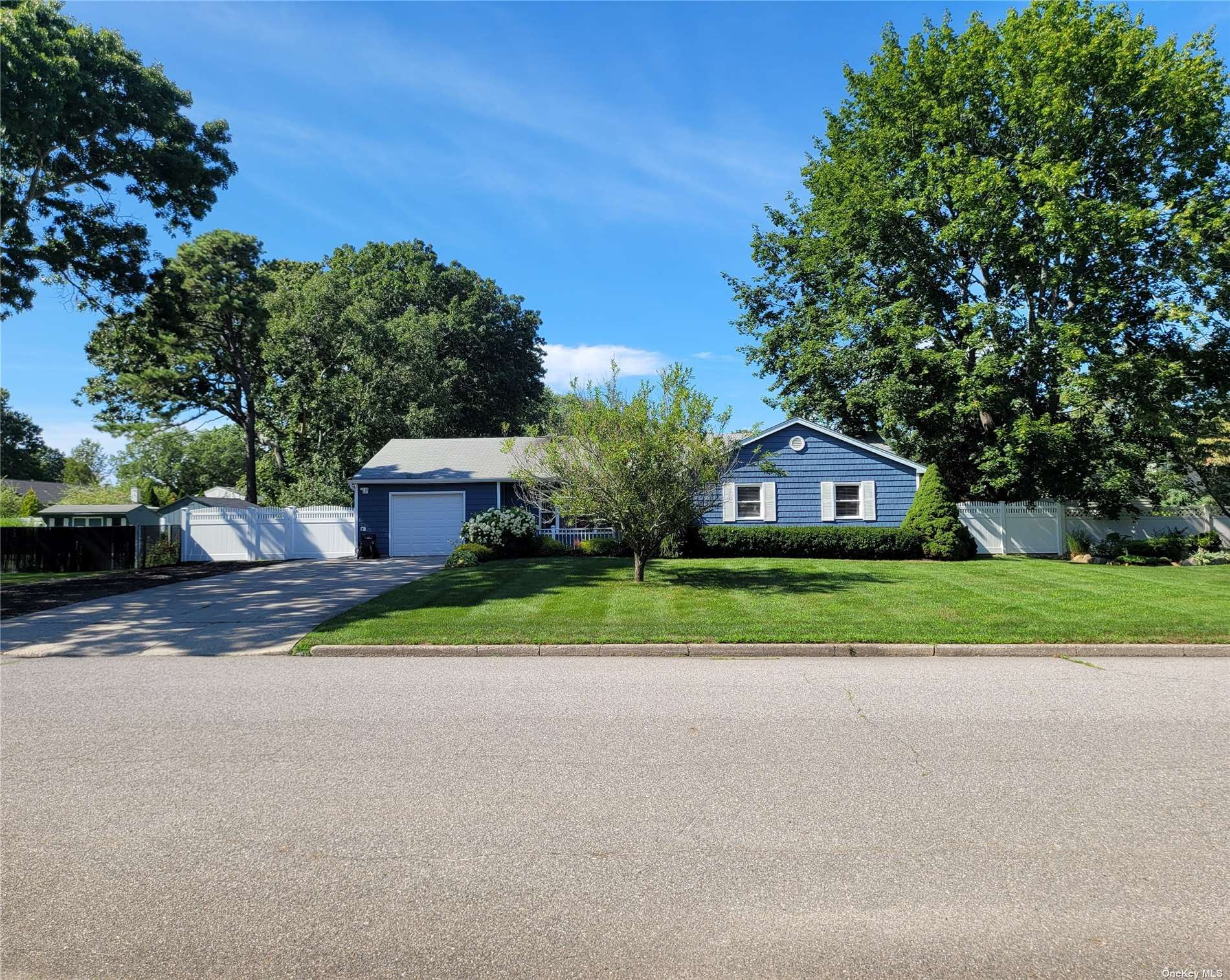 15 Cullen Lane, Middle Island, NY 11953 - #: 3338595