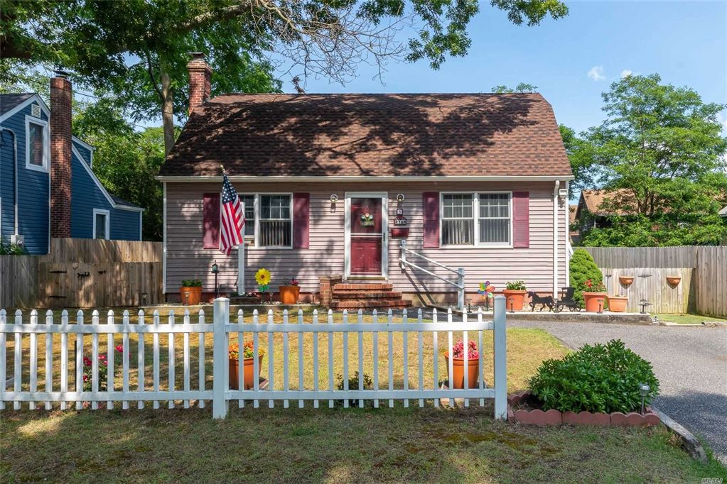8 Bennett Avenue, Patchogue, NY 11772 - MLS#: 3141598