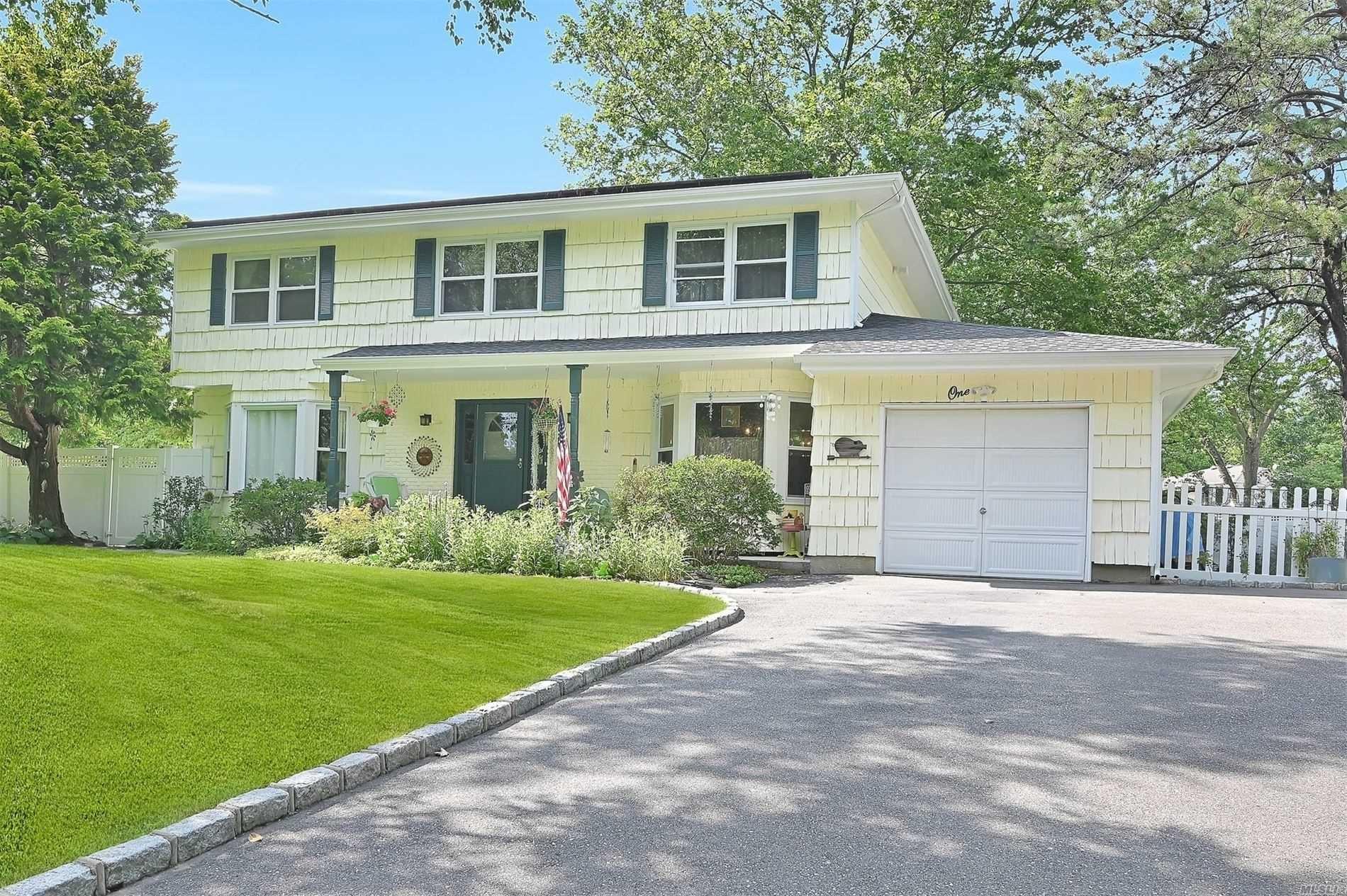 1 Winmere Pl, Dix Hills, NY 11746 - MLS#: 3233599