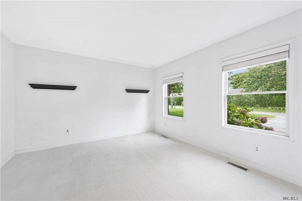 Photo of 14 Murray Place, Bridgehampton, NY 11932 (MLS # 3255600)