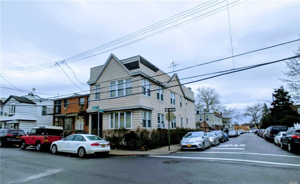 6202 62nd Avenue, Middle Village, NY 11379 - MLS#: 3098604