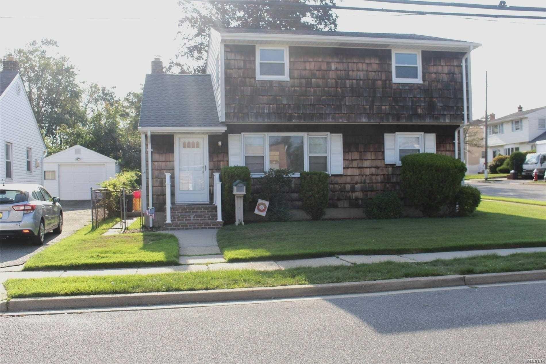 79 Gardner Avenue, Hicksville, NY 11801 - MLS#: 3244604