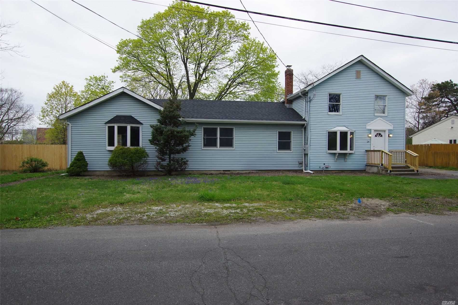 24 Floral Ave, Holtsville, NY 11742 - MLS#: 3215607