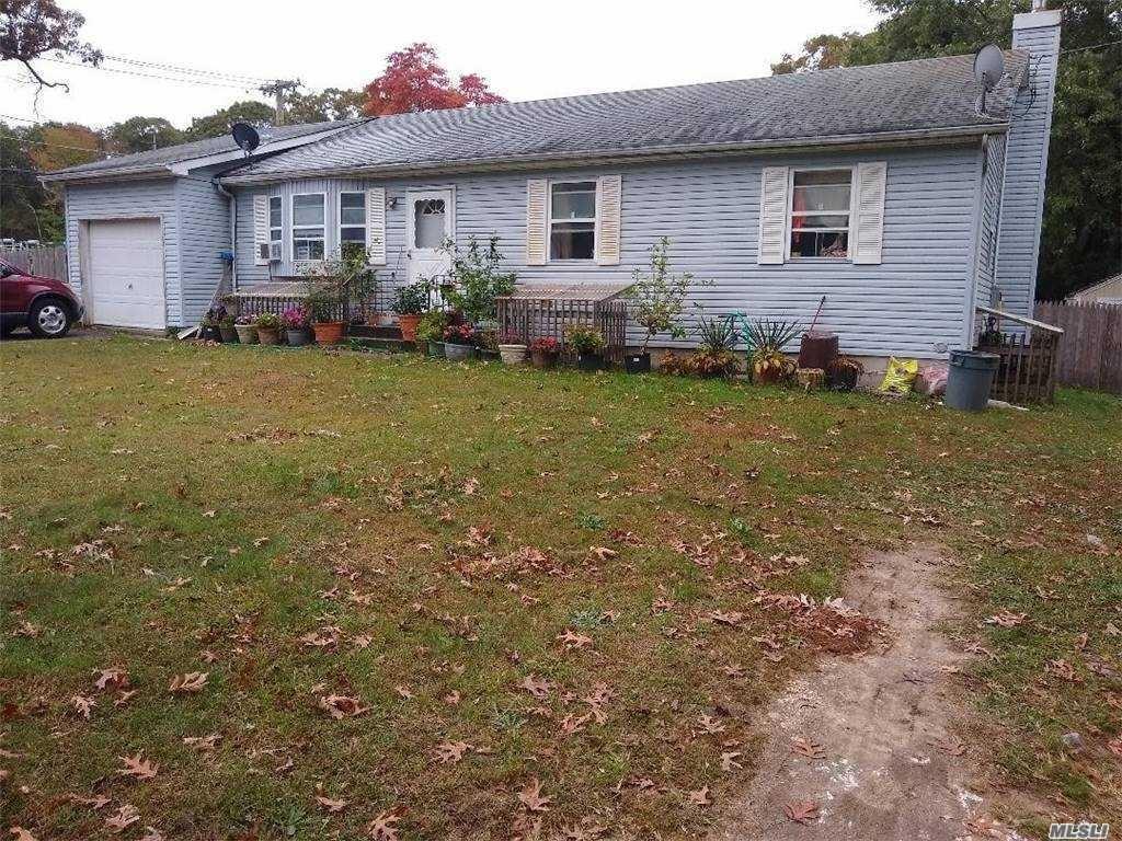 4 Smith Ln, Middle Island, NY 11953 - MLS#: 3264610