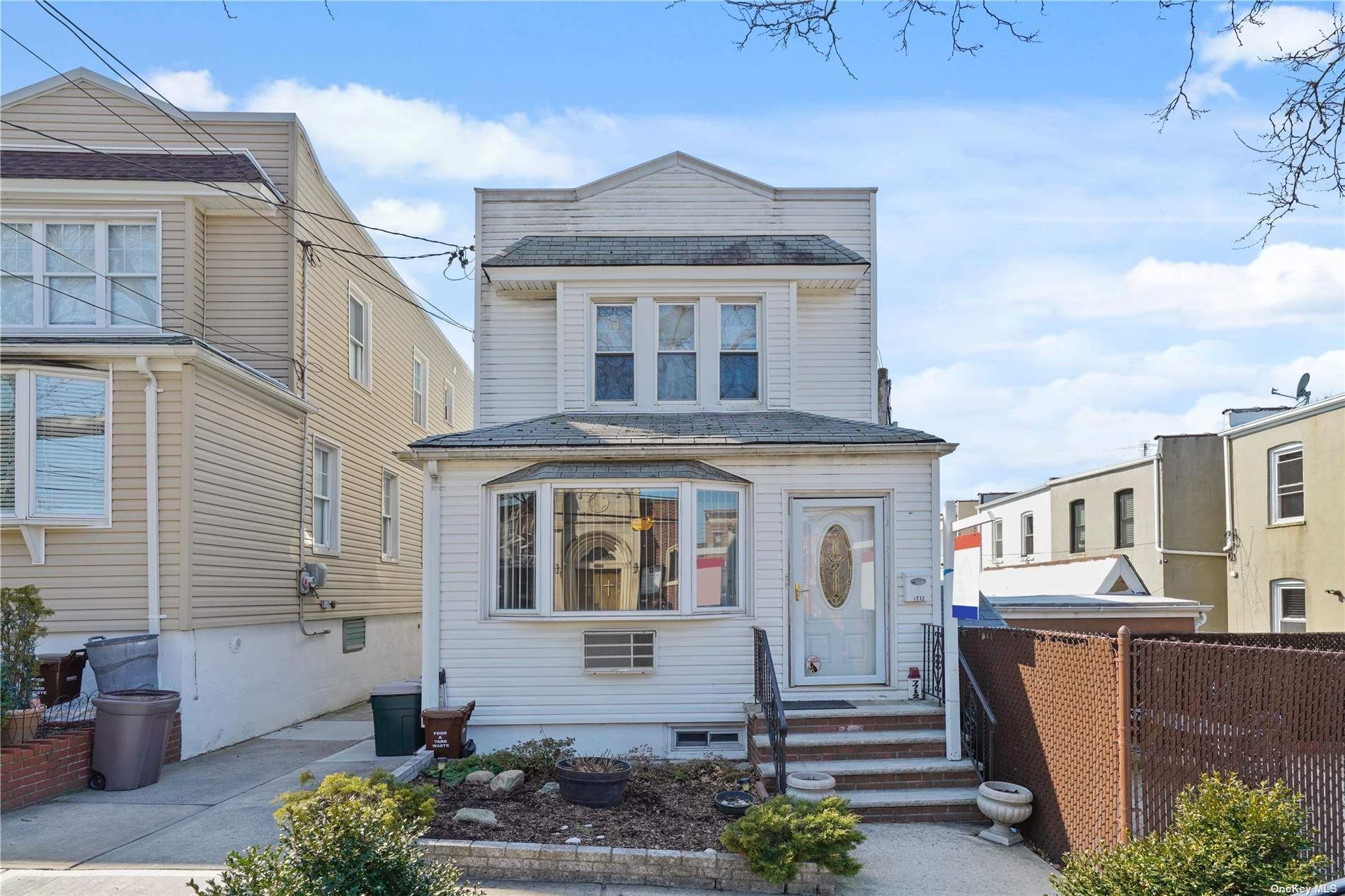77-12 64th Place, Glendale, NY 11385 - MLS#: 3274610