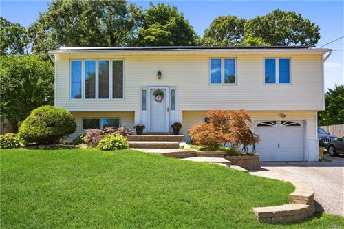 Photo of 16 Willow St, Selden, NY 11784 (MLS # 3239612)