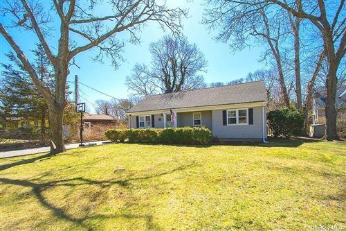 Photo of 62 Fanning Avenue, Hampton Bays, NY 11946 (MLS # 3301612)