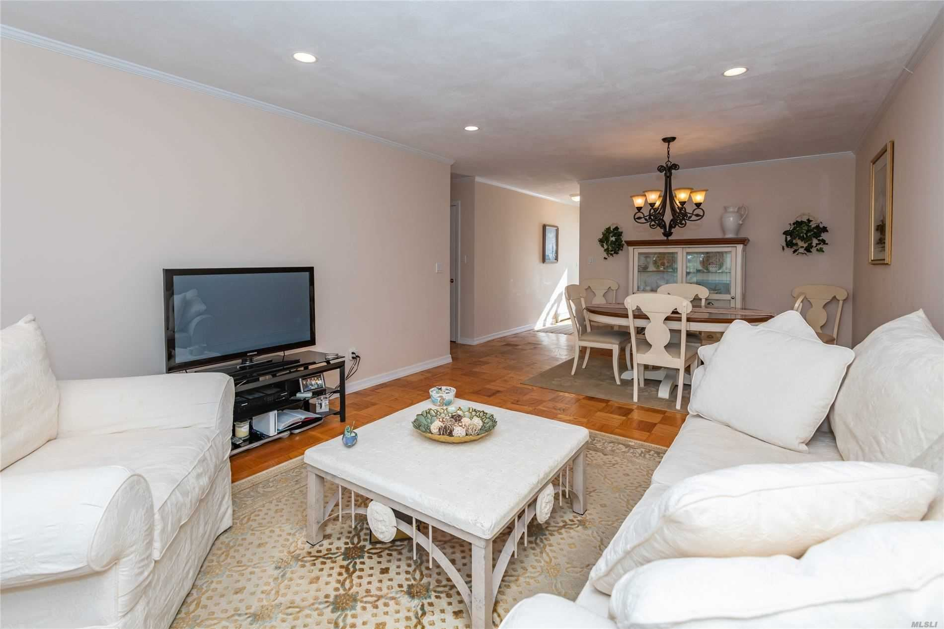Photo of 11 Harbour Lane #1A, Oyster Bay, NY 11771 (MLS # 3234612)