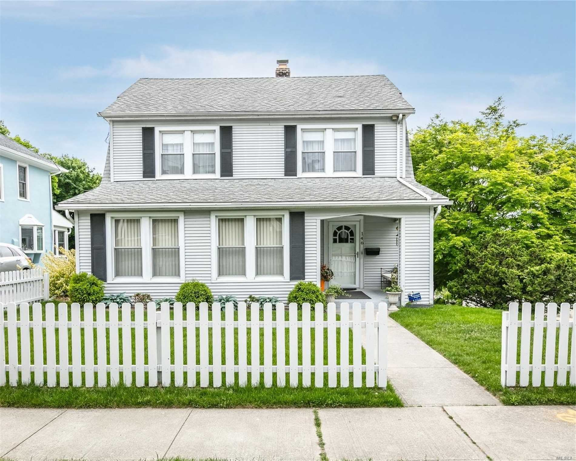 Photo of 146 Anstice Street, Oyster Bay, NY 11771 (MLS # 3219613)