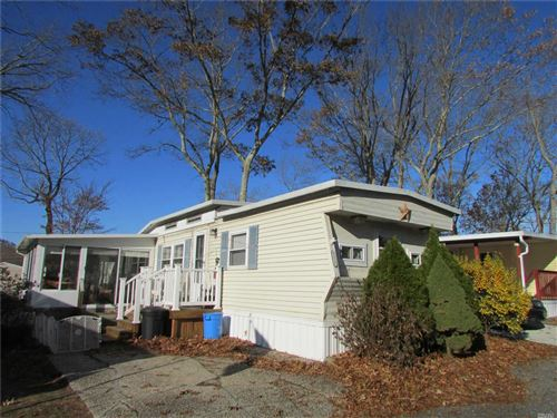 Photo of 658 G10 Sound Ave, Wading River, NY 11792 (MLS # 3184615)