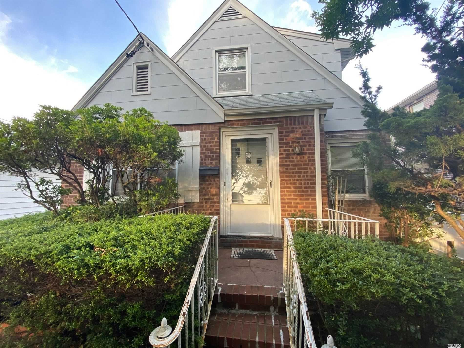 84-19 258 St, Floral Park, NY 11001 - MLS#: 3220616