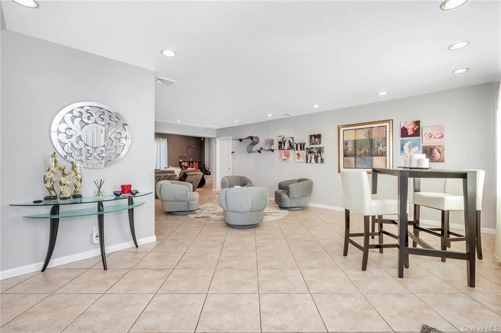 Photo of 21 Lakeshore Drive, Eastchester, NY 10709 (MLS # H6109616)