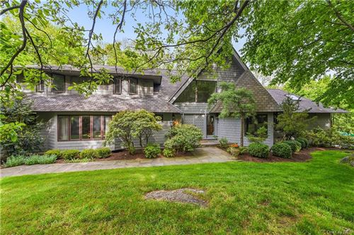 Photo of 18 Bayberry Road, Armonk, NY 10504 (MLS # H6041617)