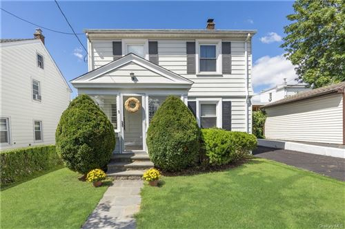 Photo of 9 Mount Tom Road, New Rochelle, NY 10805 (MLS # H6129618)