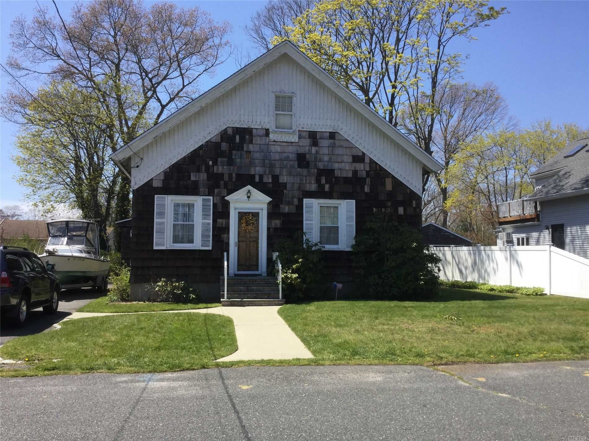 48 Laurel Avenue, East Islip, NY 11730 - MLS#: 3212618