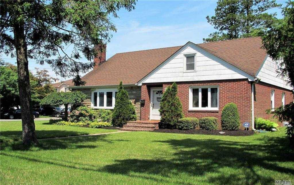 52 Walter Avenue, Hicksville, NY 11801 - MLS#: 3263621