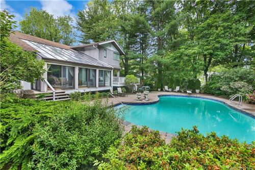 Photo of 14 Park Road, Scarsdale, NY 10583 (MLS # H6058622)