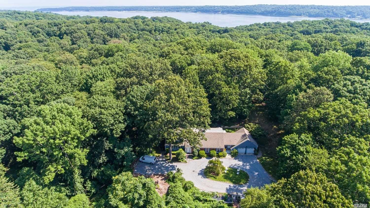 Photo of 20 South Road, Oyster Bay Cove, NY 11771 (MLS # 3231622)