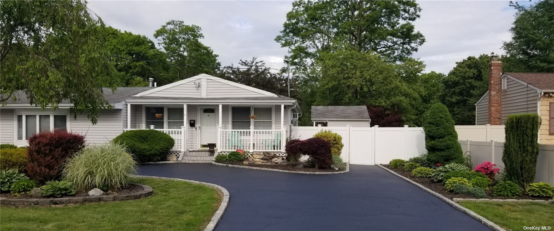 1076 Martinstein Avenue, Bay Shore, NY 11706 - MLS#: 3294624