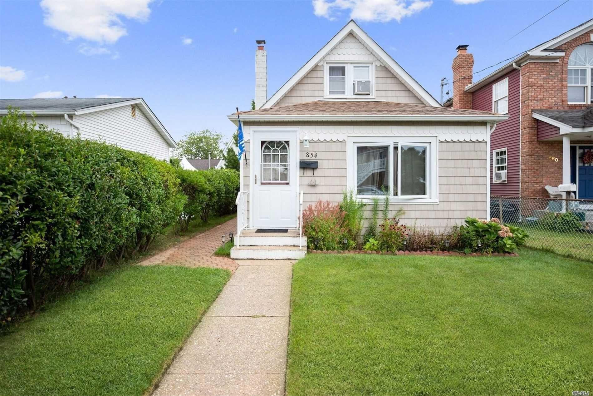 854 S 5th Street, Lindenhurst, NY 11757 - MLS#: 3200625