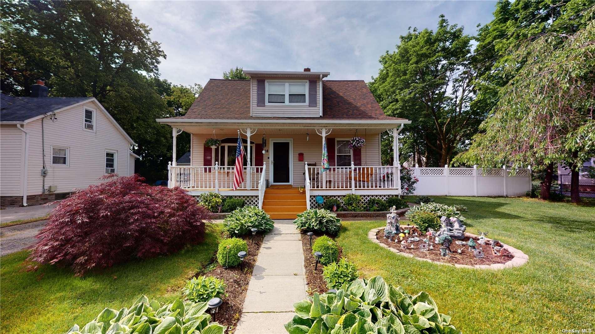 14 Roslyn Street, Islip Terrace, NY 11752 - MLS#: 3317625
