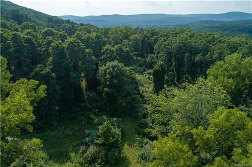 Photo of 8 Ravine Road, Pawling, NY 12564 (MLS # H6072629)