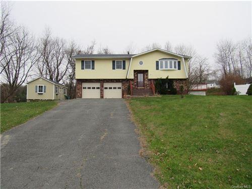 Photo of 3 Oak Terrace, Middletown, NY 10940 (MLS # H6084630)