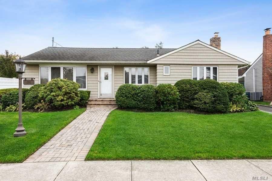 28 Normandy Drive, Bethpage, NY 11714 - MLS#: 3264630