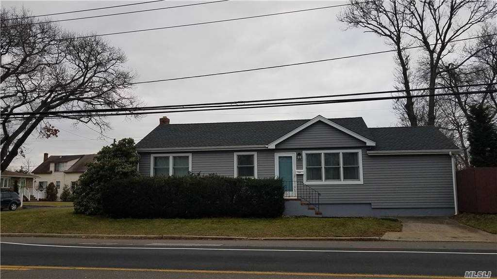 710 Railroad Ave, West Babylon, NY 11704 - MLS#: 3278630