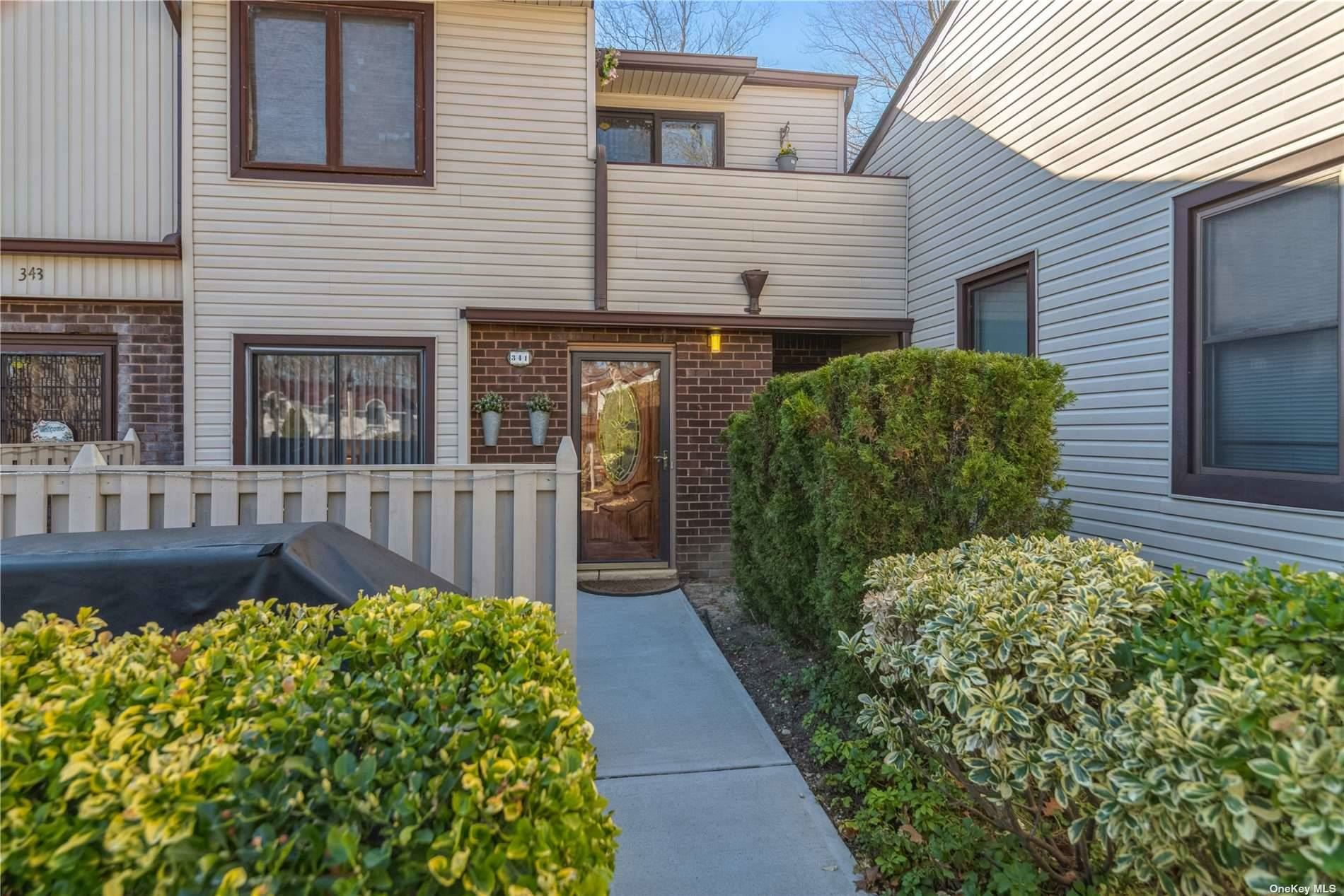 341 Clubhouse Court, Coram, NY 11727 - MLS#: 3301631