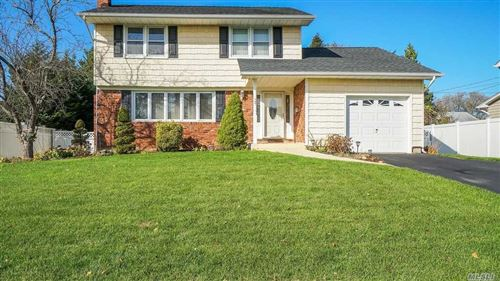 Photo of 30 Marquette Dr, Smithtown, NY 11787 (MLS # 3182632)