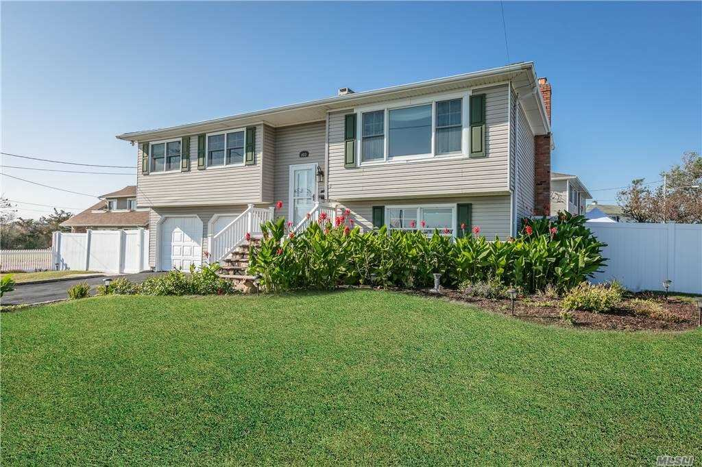 103 Smith St, Patchogue, NY 11772 - MLS#: 3238632