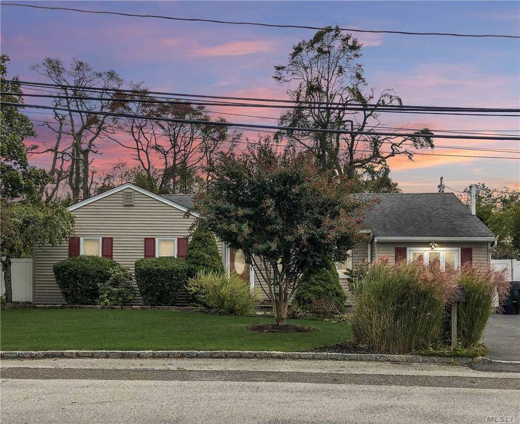 28 Brookdale Drive, Bay Shore, NY 11706 - MLS#: 3262632