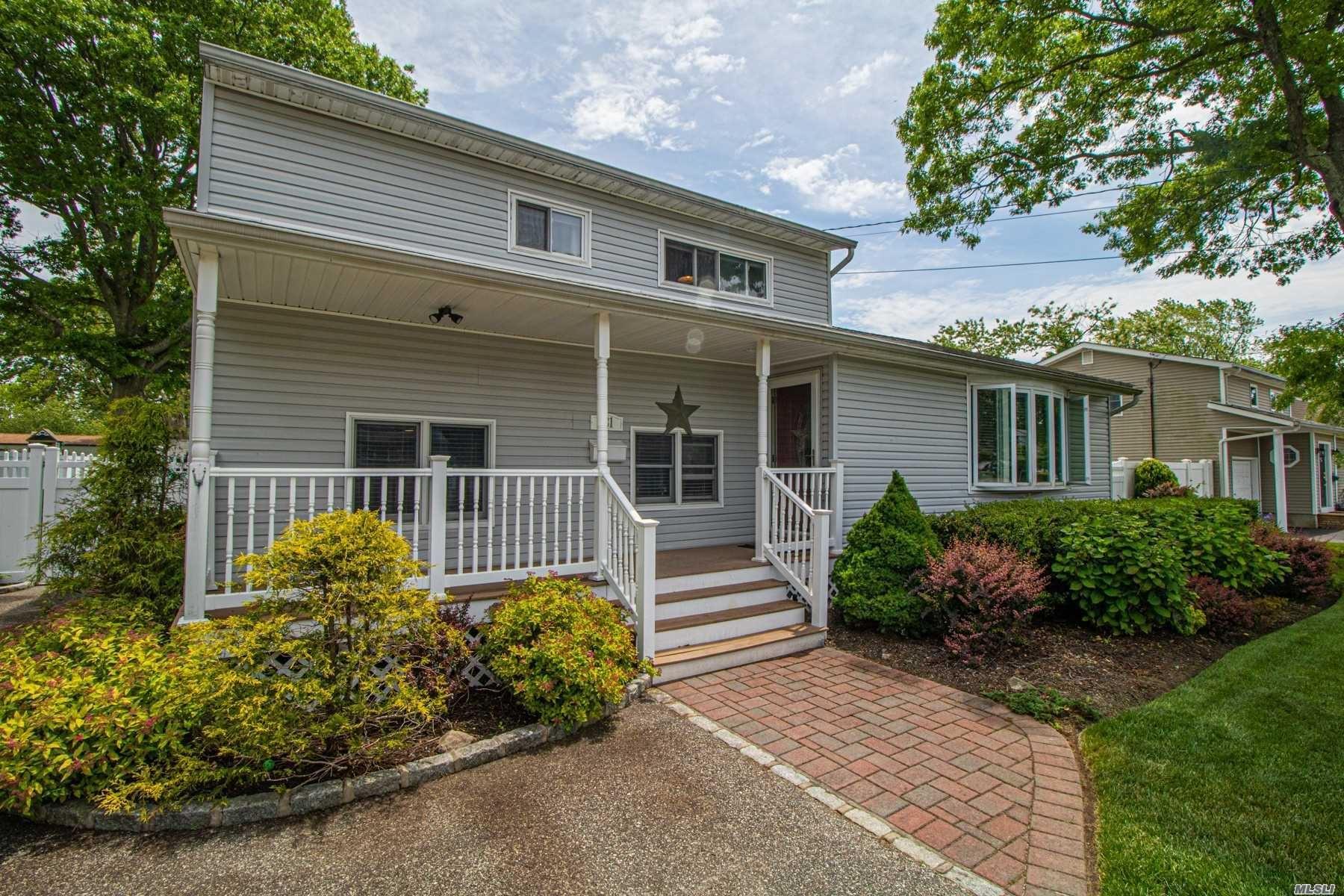 981 Manor Lane, Bay Shore, NY 11706 - MLS#: 3220635