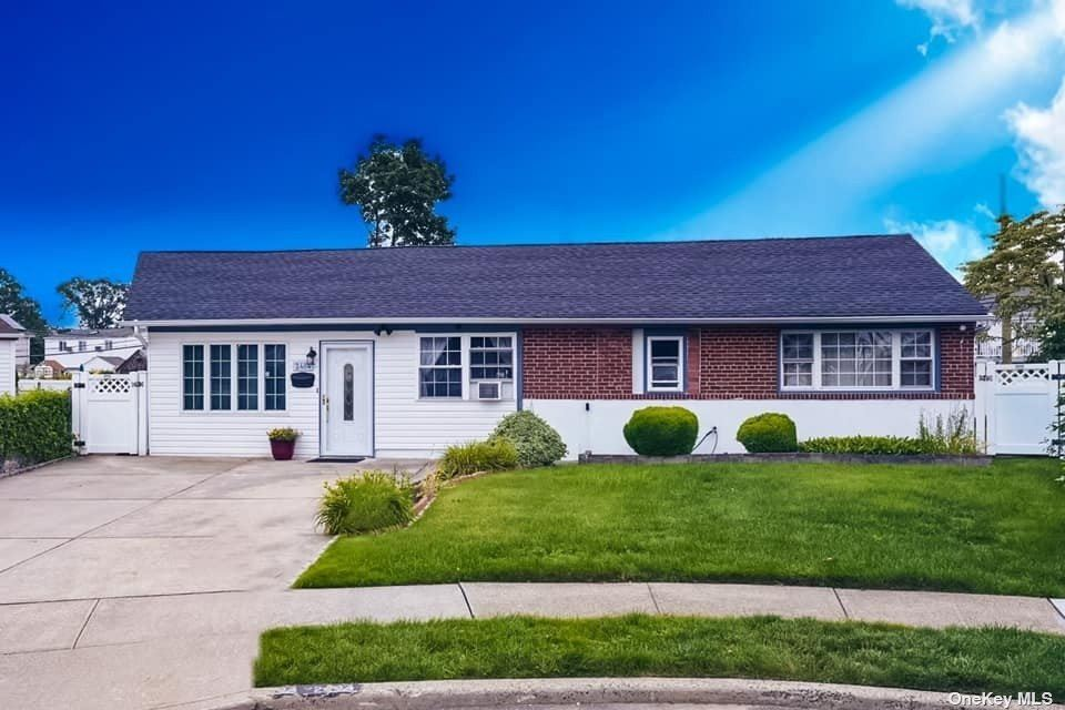 2484 Fir Court, East Meadow, NY 11554 - MLS#: 3329637