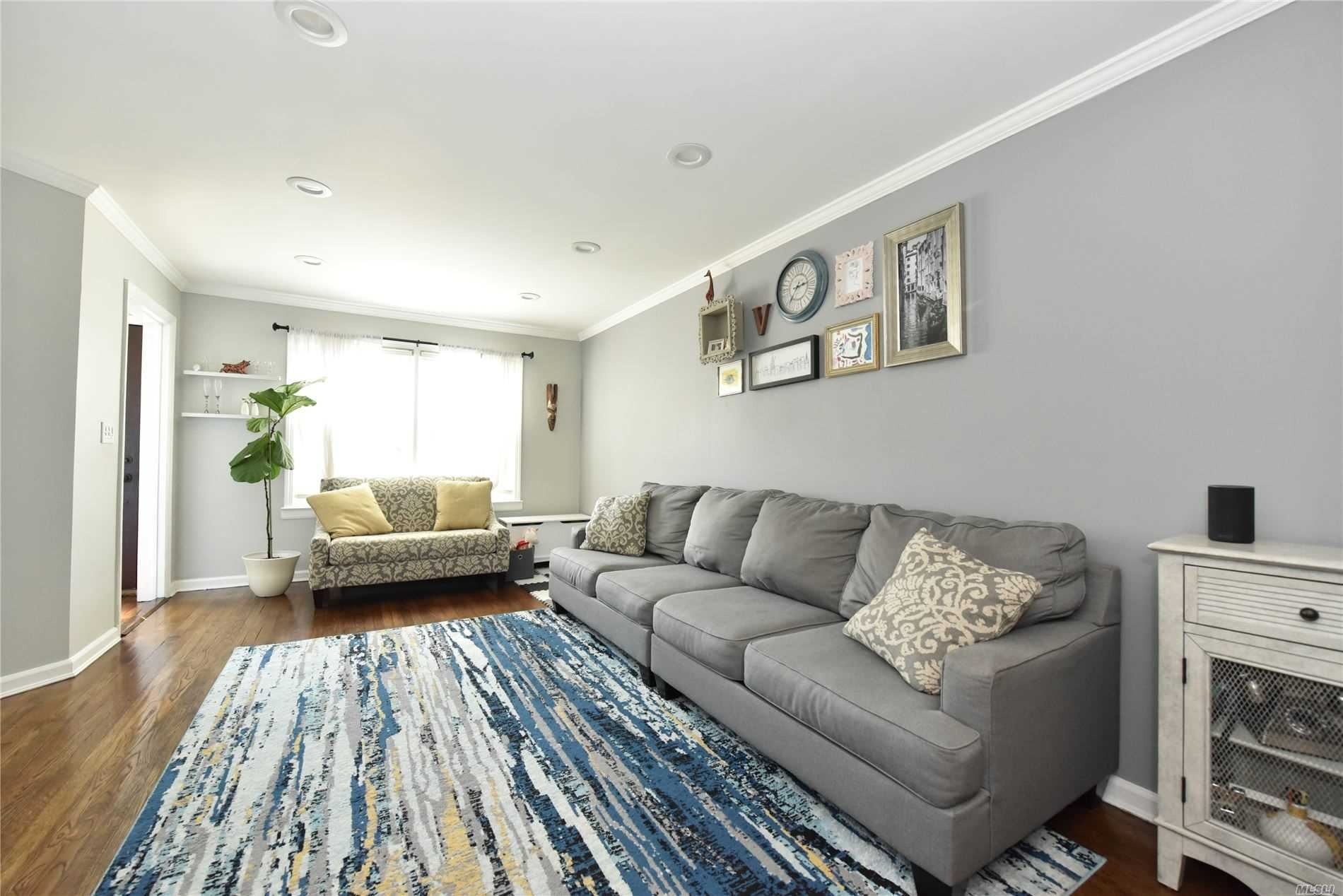 86-43 256th St, Floral Park, NY 11001 - MLS#: 3237638