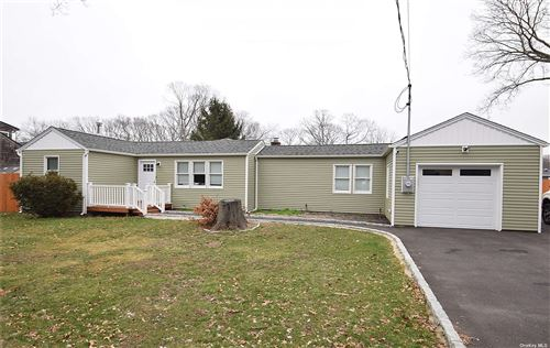 Photo of 49 Oakland Avenue, Miller Place, NY 11764 (MLS # 3298641)