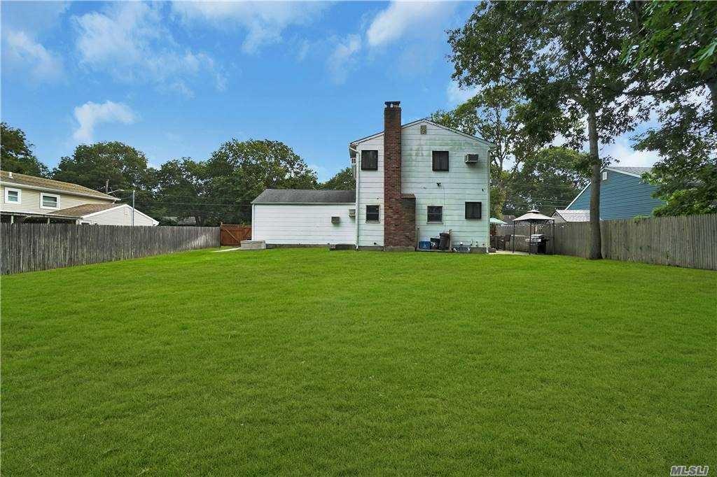 Photo of 154 Cherry Lane, Medford, NY 11763 (MLS # 3255641)