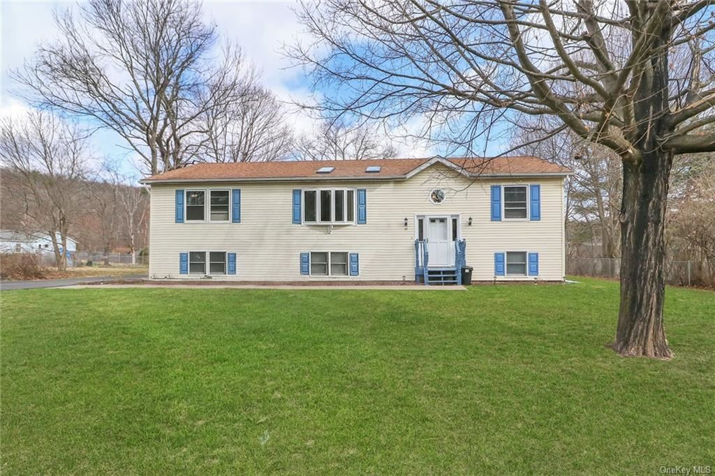 Photo of 49 Forest Drive, Wurtsboro, NY 12790 (MLS # H6104641)
