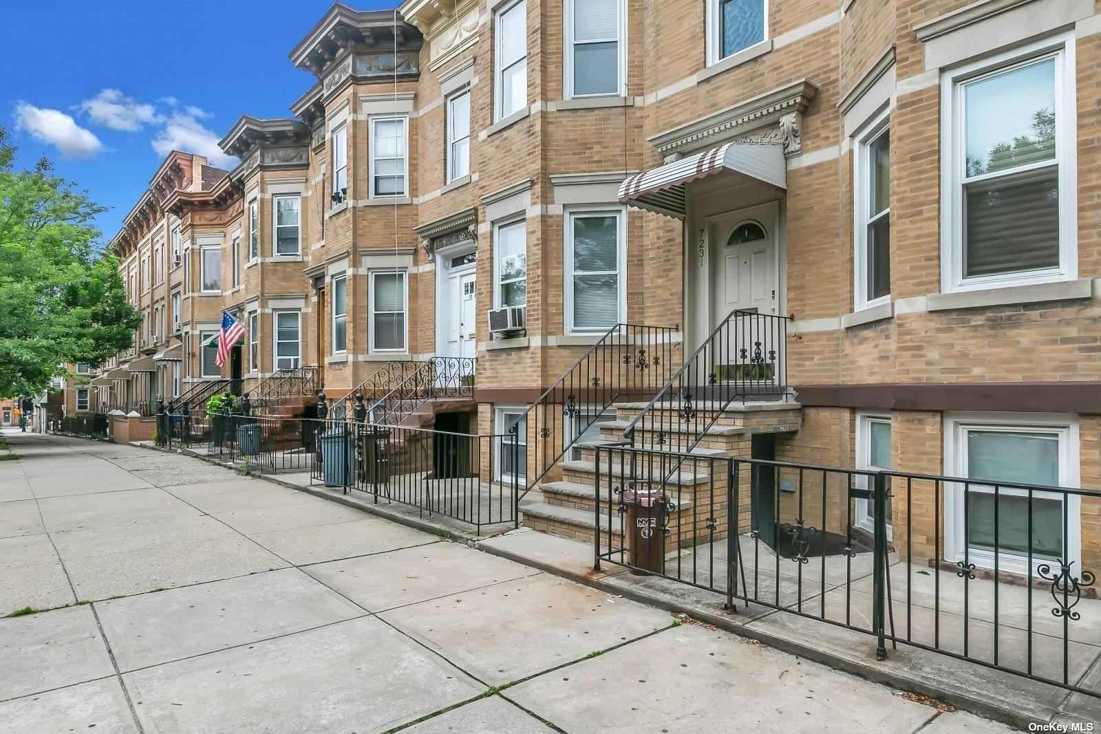 72-31 65th Place, Glendale, NY 11385 - MLS#: 3319643
