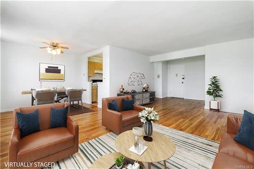 Photo of 1 Oakridge Place #5E, Eastchester, NY 10709 (MLS # H6150645)