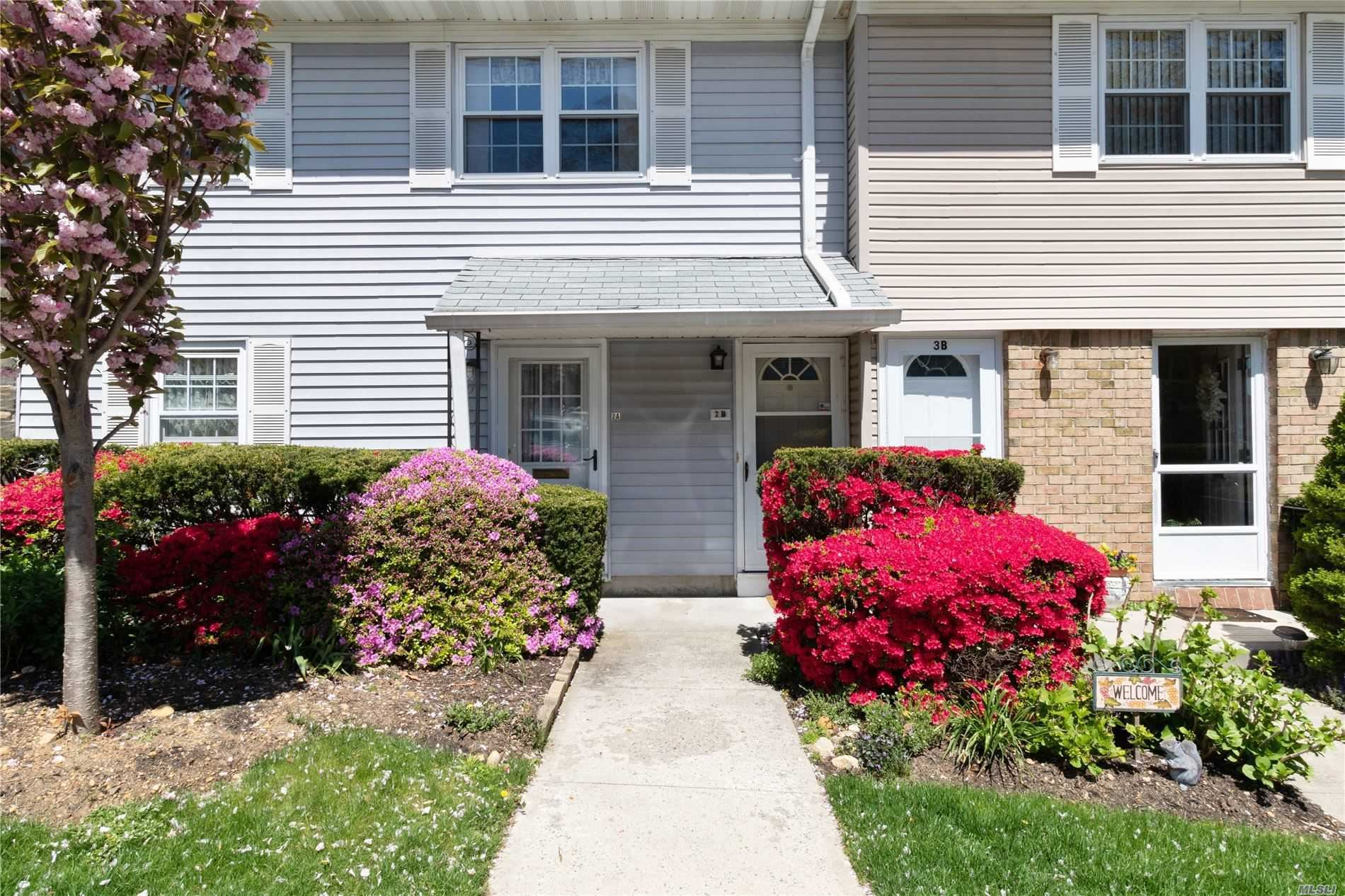 Photo of 8 Harbour Lane #2B, Oyster Bay, NY 11771 (MLS # 3213645)