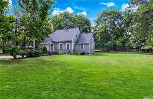 Photo of 9 Willow Lane, Quogue, NY 11959 (MLS # 3254647)