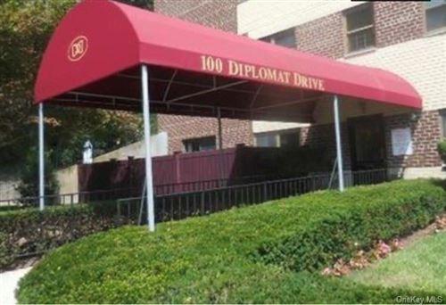 Photo of 100 Diplomat Drive #8N, Mount Kisco, NY 10549 (MLS # H6089652)