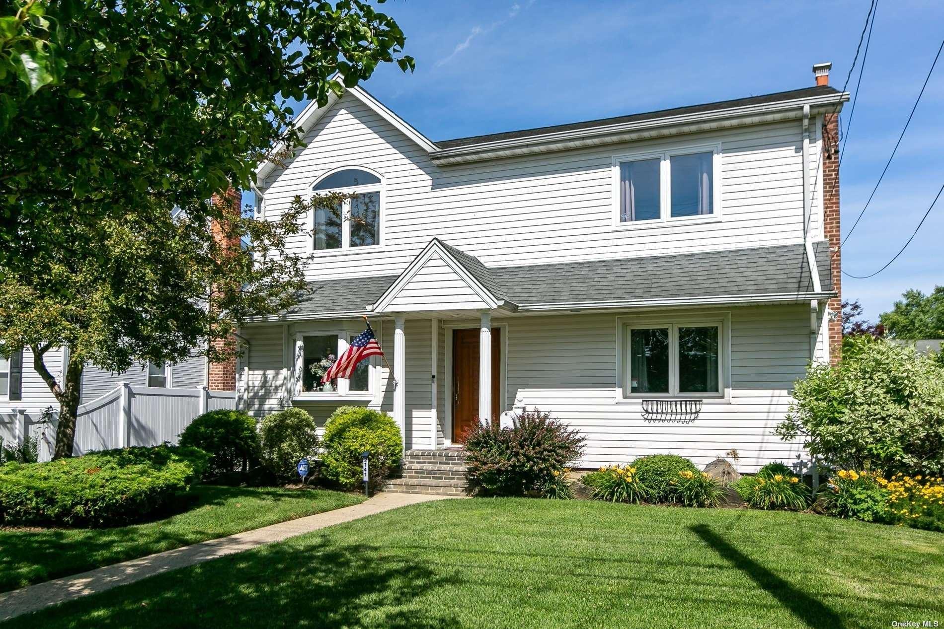 2141 Spruce Street, Wantagh, NY 11793 - MLS#: 3325652