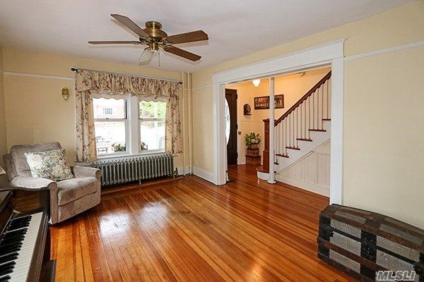 Photo of 58 Weeks Avenue, Oyster Bay, NY 11771 (MLS # 3207653)