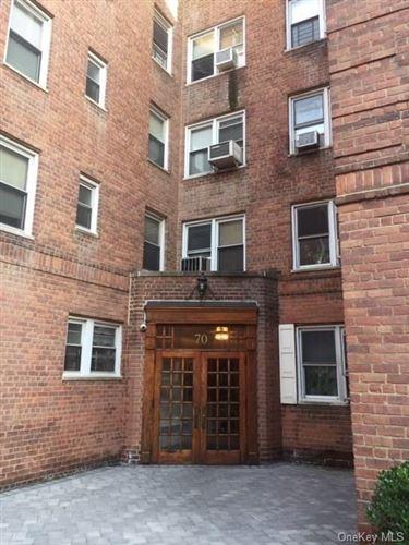 Photo of 70 Locust Avenue #415, New Rochelle, NY 10801 (MLS # H6040654)