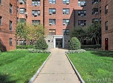 Photo of 465 E Lincoln Avenue #607, Mount Vernon, NY 10552 (MLS # H6059655)