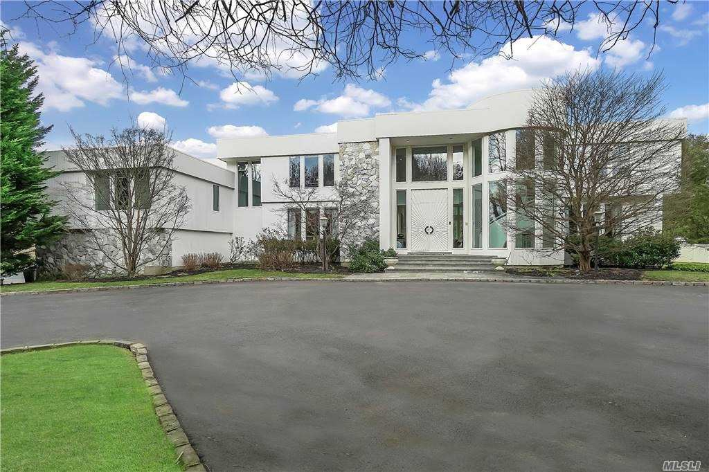 Photo of 30 Pleasant Lane, Oyster Bay Cove, NY 11771 (MLS # 3282657)